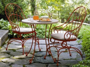 Wrought-Iron-Furniture-Chairs-Table