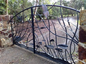 spinnig-butterfly-gates